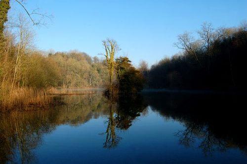Cherington_lake_2